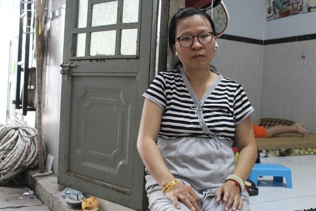 nguoi-me-bau-vuot-mat-bat-luc-vi-khong-co-tien-cho-con-chua-benh