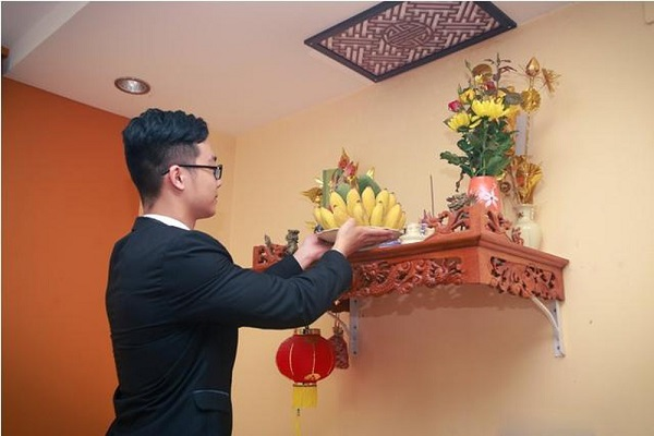 van-khan-tho-cong-mung-1-am-tai-nha-day-du-nhat-2