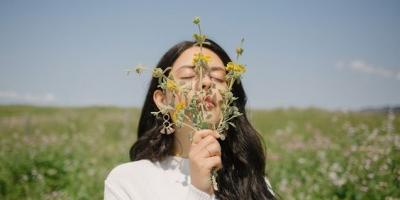 Những câu nói hay về hoa dại khiến ta mạnh mẽ trước sóng gió cuộc đời