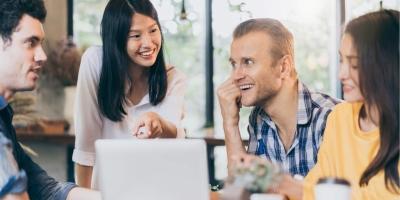 Sai lầm người trẻ hay sa lầy ở chốn công sở: Coi công ty như gia đình