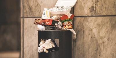Thói quen sinh hoạt của người giàu và người nghèo khác nhau ra sao, chỉ cần nhìn thùng rác là biết