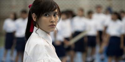 Yuri của 'Girl From Nowhere': Nữ hiệp sĩ chống bệnh ung thư từ phim ảnh tới đời thật