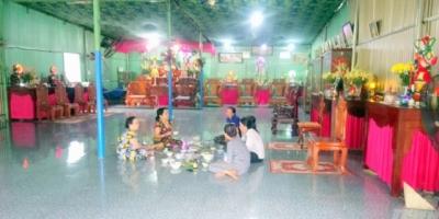 Đi tìm sự thật về 'thánh mẫu độ trần' chữa bách bệnh bằng nước lã ở Bình Phước