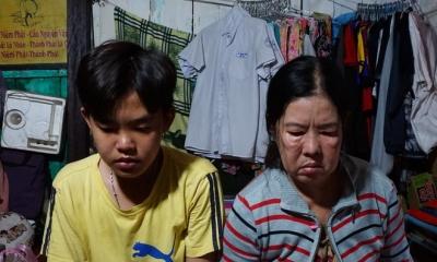 Cậu học trò giỏi bị cha bỏ rơi ôm bụng đói đi học và chăm mẹ ốm đau