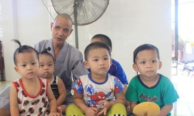 Cái tâm sáng như ngọc của vị sư thầy cưu mang gần 50 đứa trẻ bất hạnh, 'biến' chùa thành bệnh xá cứu người